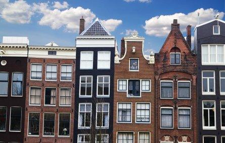 amsterdam cheap hostels book a budget hostel in amsterdam netherlands. Black Bedroom Furniture Sets. Home Design Ideas