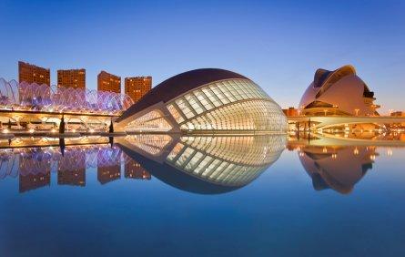 Valencia cheap hostels book a budget hostel in valencia - Piscine valencia espagne ...