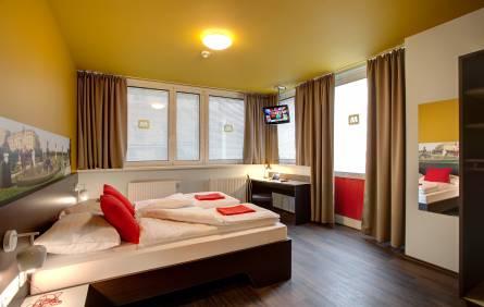 online booking for hostels and budget hotels. Black Bedroom Furniture Sets. Home Design Ideas