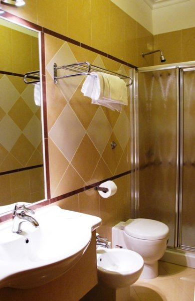 Hotel Luciani Via Milazzo  Roma