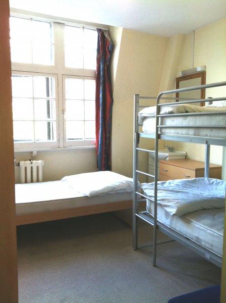 Hotel Strand Continental - London, England - HostelsCentral.com | EN