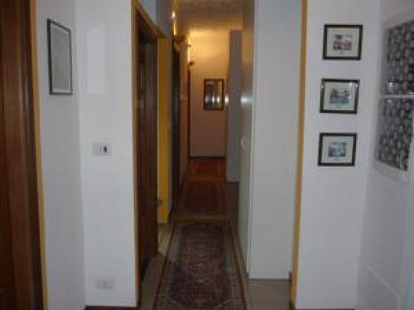 Affittacamere andronaco milano italia hostelscentral for Amsterdam affittacamere