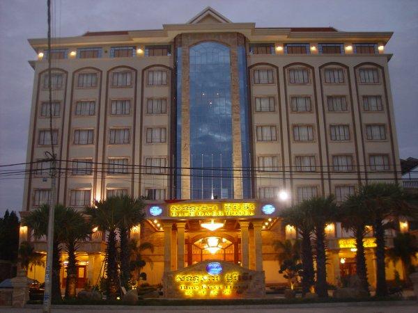 Kết quả hình ảnh cho blue river hotel phnom penh