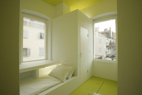 Design hostel goli bosi split croatia for Hostel design