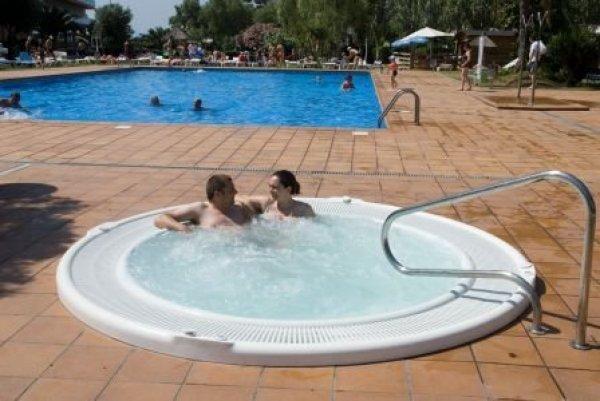 Hotel Surf Mar - Lloret De Mar, Spanien - HostelsCentral ...