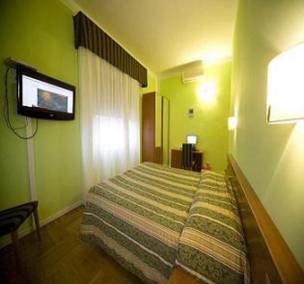 Hotel ester firenze italia it for Amsterdam ostello economico