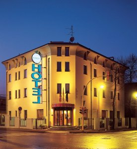 Hotel ovest piacenza italia it for Hotel piacenza milano