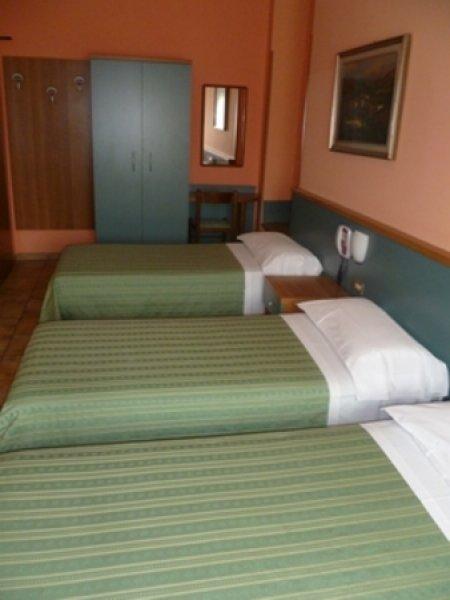 Hotel astor turin italy en for Hostel turin