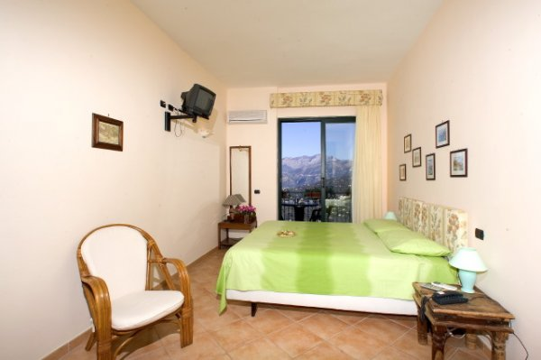 Hotel Residence Le Terrazze - Sorrento, Italy - HostelsCentral.com   EN