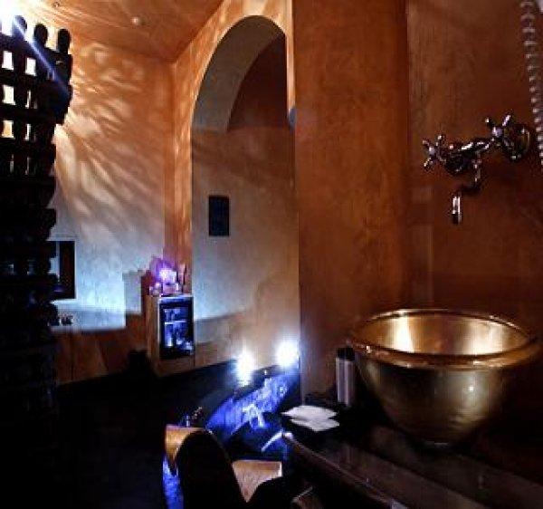 Sixlove gate lanza turin italien de for Hostel turin