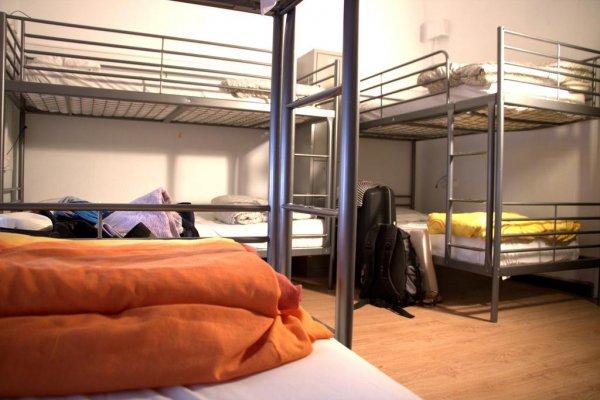Casa barcelo barcelona spain en - Casa barcelo hostel ...