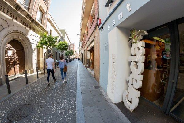 Sant jordi gracia barcellona spagna hostelscentral for Ostelli a barcellona consigli