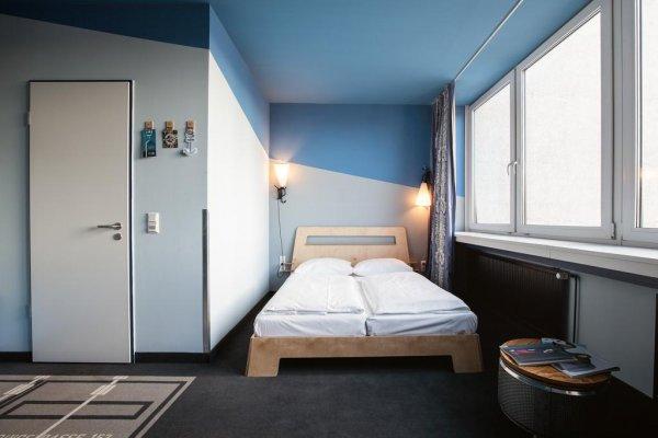 superbude st georg hotel hostel and lounge hamburg germany en. Black Bedroom Furniture Sets. Home Design Ideas