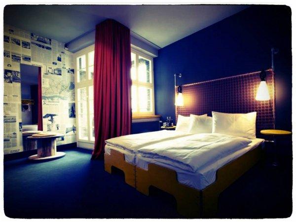 superbude st pauli hotel hostel lounge hamburg germany en. Black Bedroom Furniture Sets. Home Design Ideas