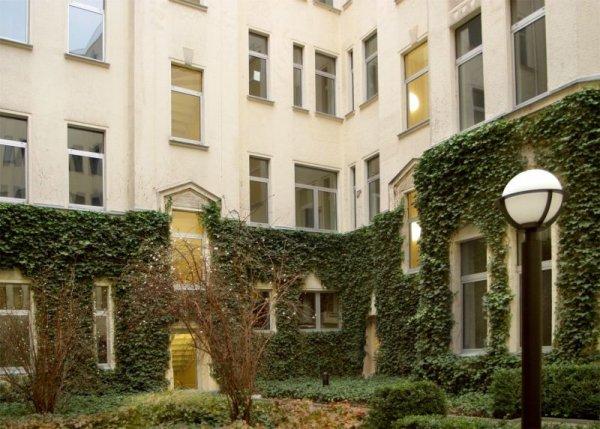 Acama Hotel Und Hostel Kreuzberg Tempelhofer Ufer    Berlin