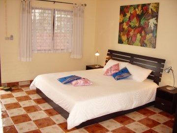 Gay hotel hostal puerta del sol phuket patong beach for Hostel puerta del sol
