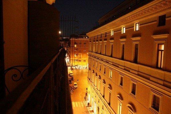 Hotel Montecitorio Rom Italien Hostelscentral Com De