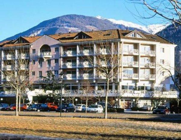 Hotel des bains de saillon saillon suisse for Hotel des bains saillon