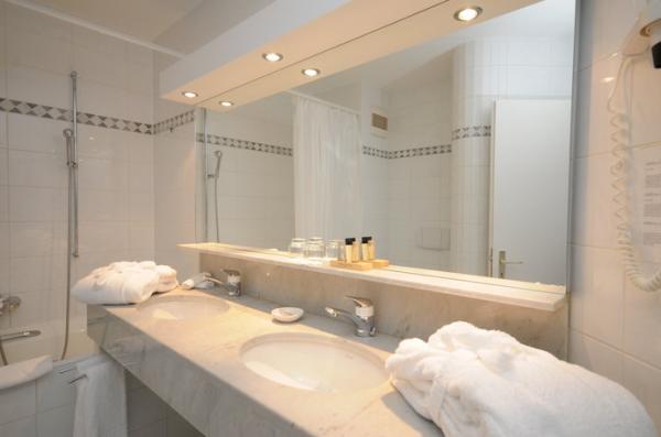Hotel des bains de saillon saillon schweiz for Hotel des bains de saillon